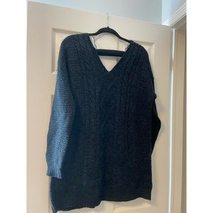 Navy cable knit sweater - long